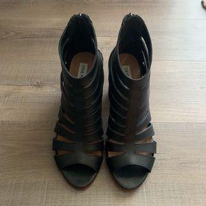 Steve Madden black open-toe bootie stacked heel 🖤